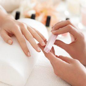 pacchetto-manicure-spa-con-semipermentante-pedicure-spa-con-semipermanente